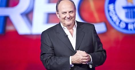 """""""Caduta Libera"""", Gerry Scotti presenta il nuovo game show preserale su Canale 5"""