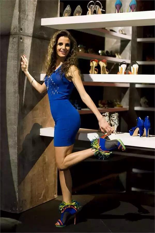 Tacco 12… Si nasce, il fashion show di La5 sulle scarpe